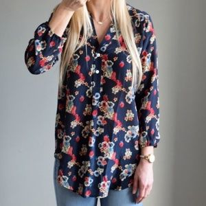 Amour Vert Stitch Fix 100% Silk Floral Blouse S